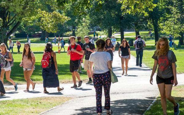 Students walking on the Ohio State Oval